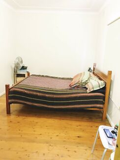 King size room for rent $215 (include all bills)