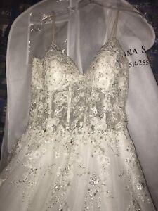 Wedding dress a& head tule