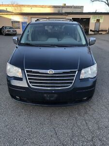2009 town & country $1250 asis