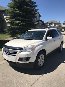 2008 Saturn Outlook XR AWD 7 seats