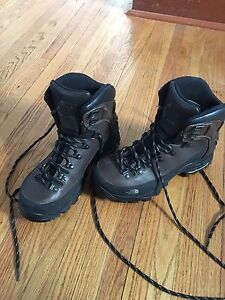 Men's North Face hiking boots size 8