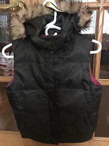 Girls Winter/Spring/Fall Vest Size 14 (XL).