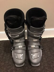 Nordica Ace Men's Ski Boot Size 9.5