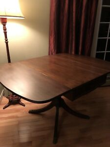 Table Antique Pedestal Drop Leaf