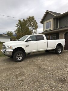 2014 loaded 3500 Laramie 6 spd / 160 warranty
