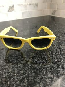 Yellow Rayban wayfarer Sunglasses with case