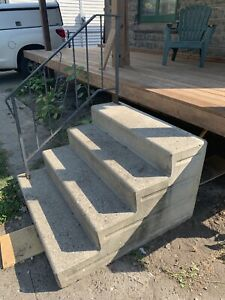 Free concrete stairs
