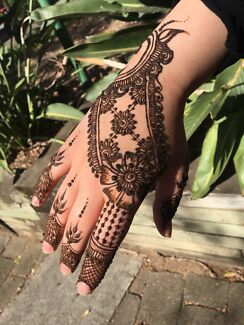 Self taught Henna Artist - InFinity Designs