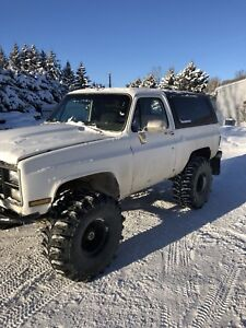 1981 GMC K5 Jimmy on Tons and Boggers