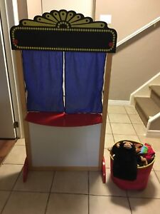 Deluxe Puppet Theatre with Chalk Board Title Board