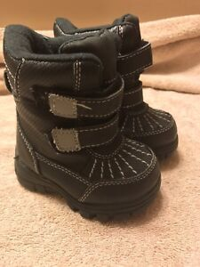 Children's Place toddler winter boots size 4