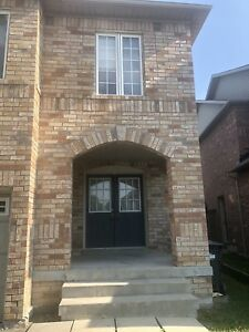 Beautiful home in Mississauga for rent