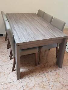 7 pcs dining table set (delivery pending)