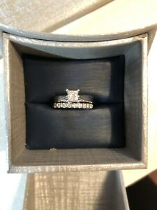 Canadian Diamond wedding band set