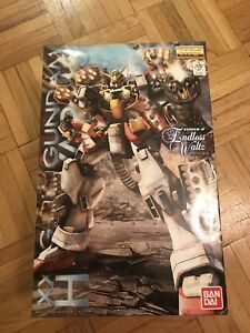 BNIB Heavy Arms 1/100