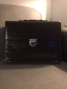 *Brand New* Real leather ladies Danier briefcase