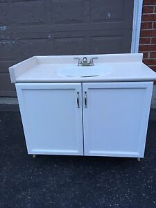 Great shape sink and vanity!