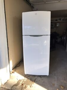 GE perfect working FRIDGE can DELIVER