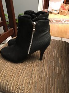 Boots for woman size 39