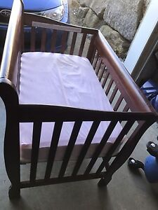 Mini crib and matress