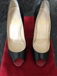 Christian Louboutin Very Prive Pumps size 39