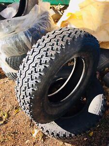 2 winter tires / 2 pneus d'hiver