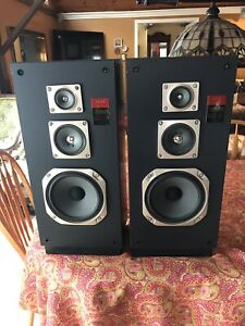 Akai Speakers