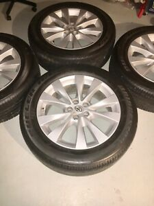 "Toyata Venza /Highlander 19"" original mags with tires"
