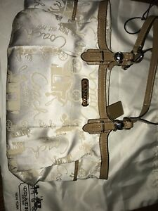 COACH PURSES AND WALLETS for Sale