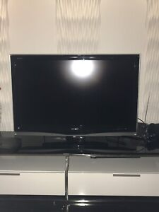 Flat TV LCD , SHARP AQUOS 44'' inhes/pouces