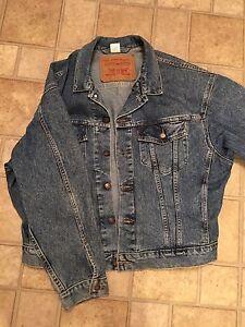 Vintage Levi's denim trucker jacket size L