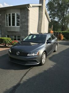Jetta Wolfsburg 2017 - 400$/mois **EXCELLENTE CONDITION**