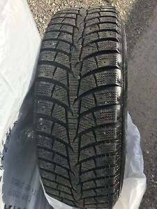 Winter tires with rims 215/70R16 (Toyota rav4)
