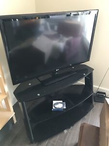 "LG 47"" 1080p 120Hz LCD TV with Glass TV stand"