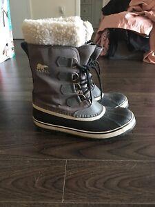 Grey sorel size 8 winter boots