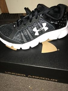 Brand New in Box Under Armour Kid Shoes Size 13