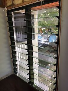 Aluminum louvre window(SOLD) Morningside Brisbane South East Preview