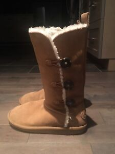 Size 8 Ugg type boots (American Eagle brand)