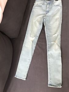 BNWT Abercrombie High Waisted Jeans size 26S