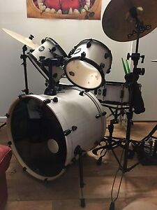 Mapex Mars Professional Series 5 piece Rock Shell Drumkit The Dawn Gympie Area Preview