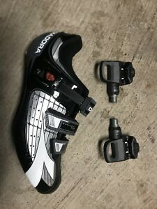 Clipless pedals and shoes