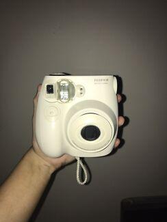 Fuji Instax mini 7s polaroid camera