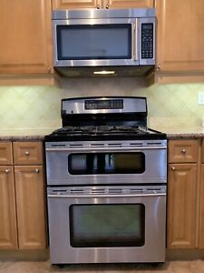 Jenn-Air Range and Microwave (Dual Fuel, Gas, Dual Oven)