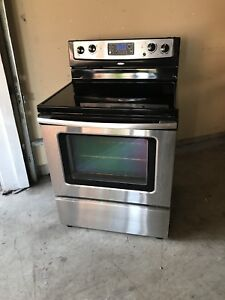 """Excellent condition Whirlpool 30""""w STOVE can DELIVER"""