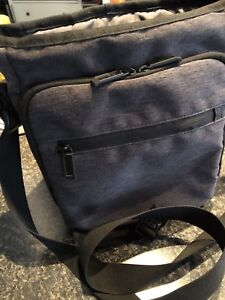 Shoulder Bag Kenneth Cole Reaction-used in like new conditions