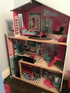 Maison poupée ou barbies
