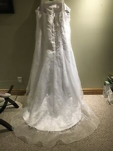 Size 24 wedding dress never worn