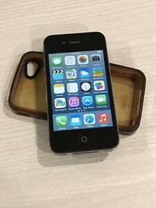 8GB iPhone 4s in excellent condition
