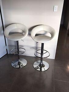 X2 leather white bar stools excellent condition Baldivis Rockingham Area Preview