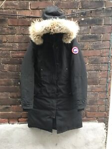Canada Goose Womens Winter Parka Size M